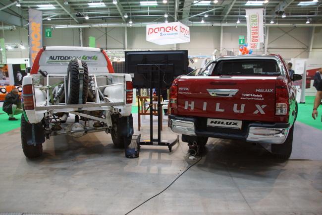 Toyota Hilux stock vs. dakar