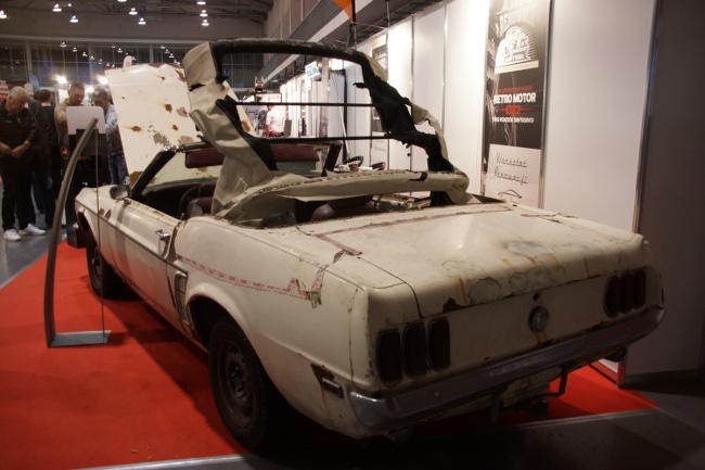 Ford Mustang przed odbudową